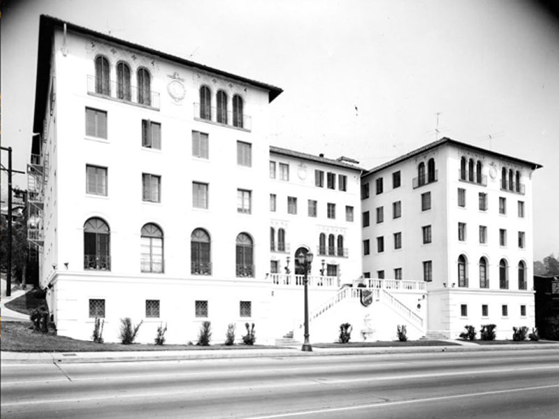 Coronet Apartment in the 1940s, now known as the Piazza del Sol
