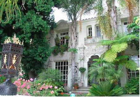 Monroe's first West Hollywood apartment was at El Palacio apartments on Fountain Ave. She lived there in 1947.